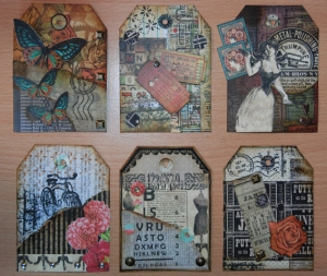Ensemble de 6 tags de scrapbooking.